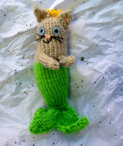 Picture of a knitter kittywumpus.
