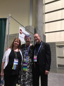 Picture of SFWA members Kevin J. Anderson, Rebecca Moesta, and Cat Rambo